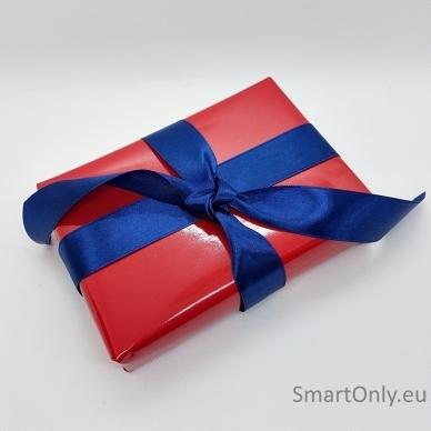 Šventinis dovanos pakavimas